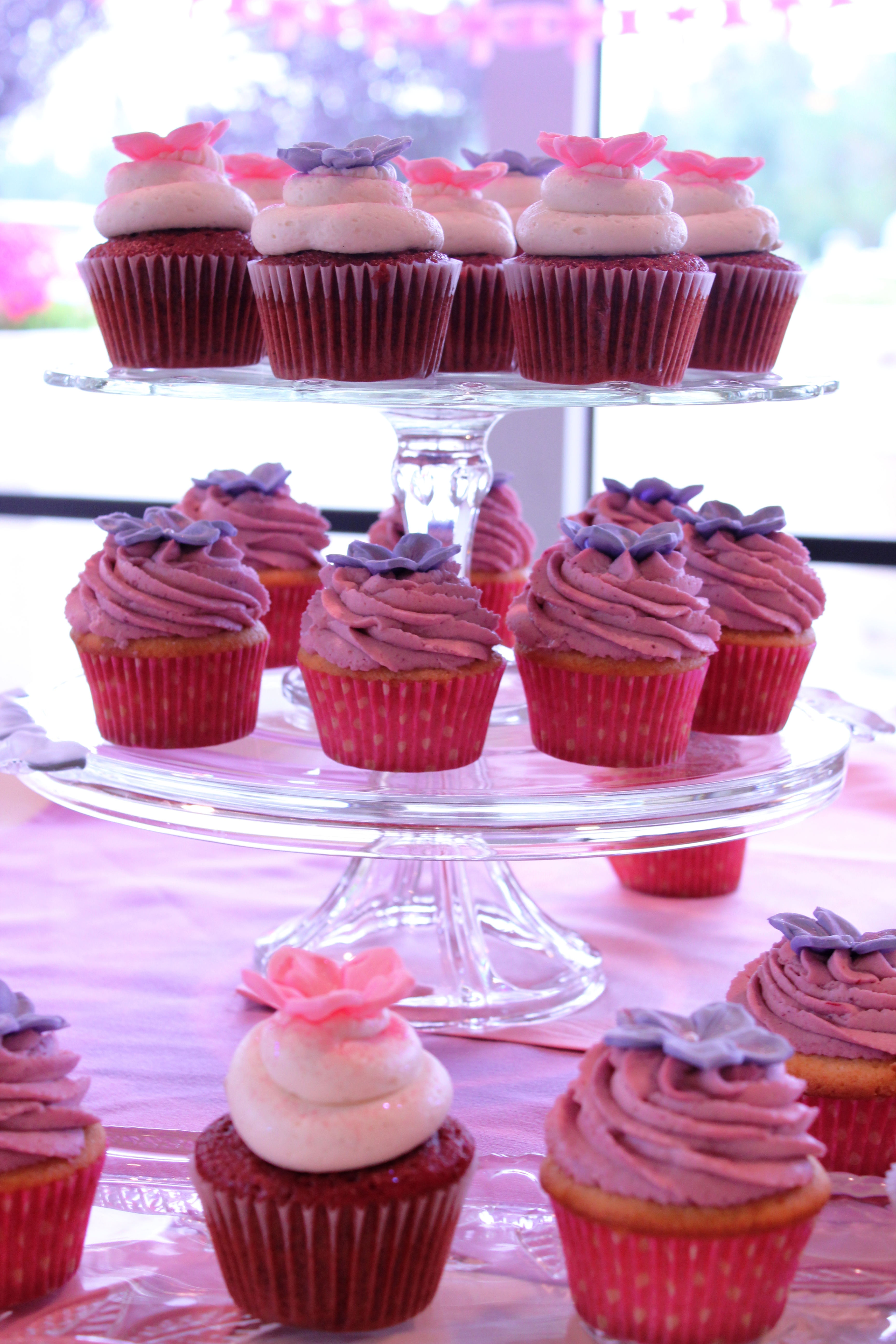 Baby Shower Cupcakes Recipes ~ Baby shower there goes the cupcake